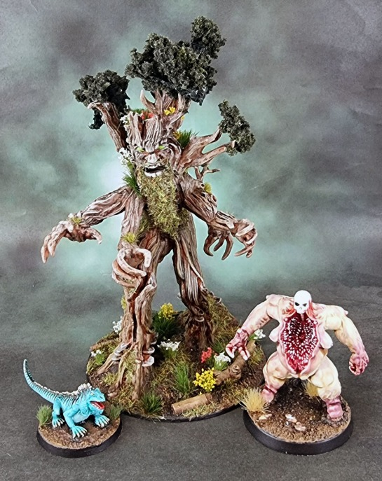 Dungeons and Dragons, WizKids WK73532 D&D Nolzurs Marvelous Miniatures Treant, Bad Squiddo Games – Giant Iguana, Reaper Bones 44021: Maggotcrown Bonesack